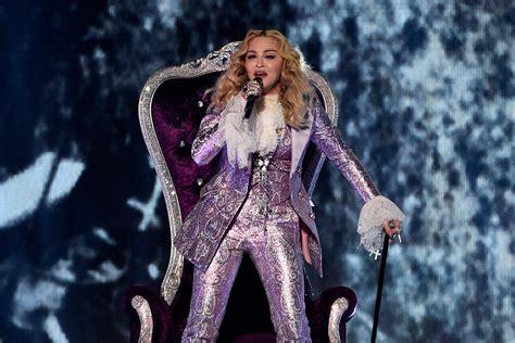 Madonna For Hm Billboard Vandalized by Madonna Gives Moving Prince Tribute At 2016 Billboard