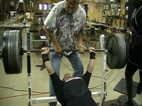 world chion bench press world record bench press 605 lbs in 148lb class youtube