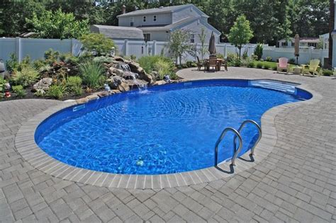 kidney shaped pool 1000 images about get some on pinterest kidney shaped