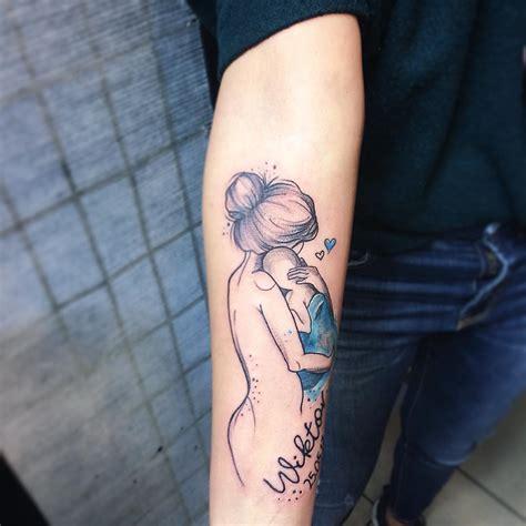 tatuajes de madre e hijos abrazo madre e hijo tatuajes para mujeres