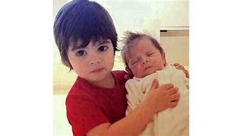 fotos de los hijos de sakira la primera foto de los hijos de shakira y piqu 233 milan y