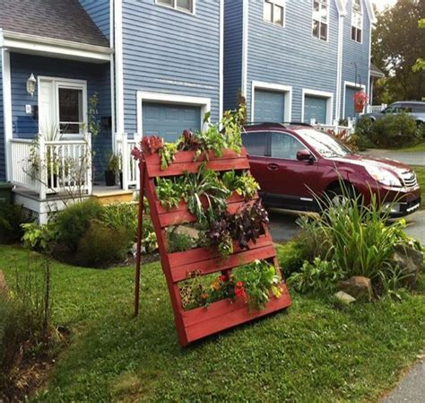 Recycled Vertical Garden Recycled Wood Pallet Vertical Gardens Pallet Ideas