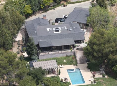 liam hemsworth house liam hemsworth net worth salary house car