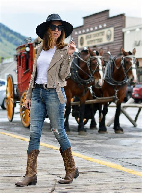 how to wear cowboy boots for how to wear cowboy boots from day to 2017 fashion