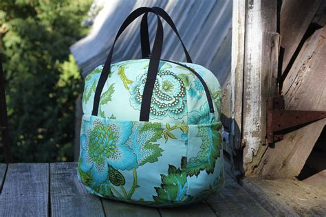free pattern overnight bag weekender overnight travel bag tutorial with pattern