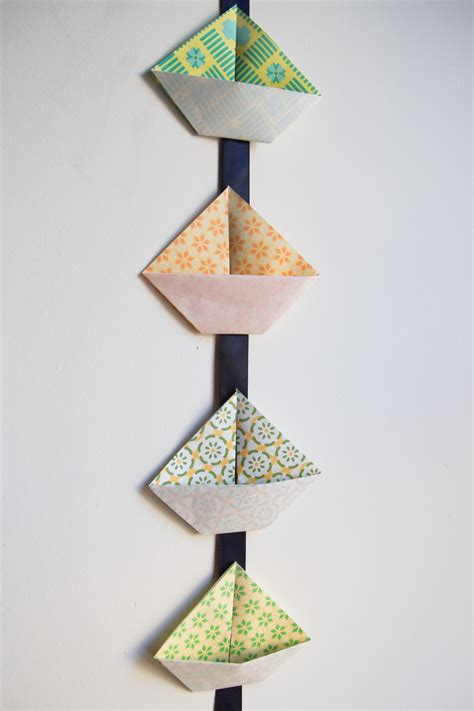 Origami Garland - diy origami sailboat garland you can make with your