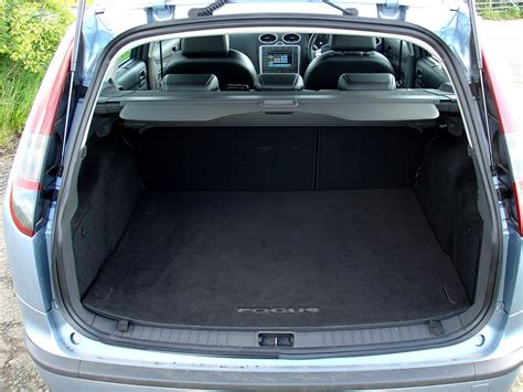 ford focus zetec boot size ford focus estate 2005 2011 features equipment and
