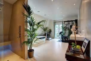 Idees Decoration Salle De Bain #1: idee-decoration-salle-de-bain-plantes-vertes.jpg