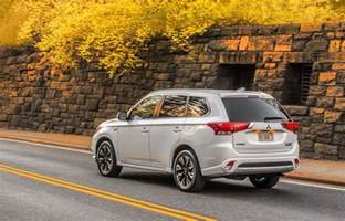 In Mitsubishi Outlander 2017 Mitsubishi Outlander Phev Picture 670747 Car