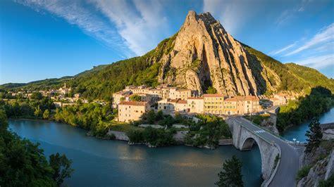 wallpaper town bridge river hill slovenia
