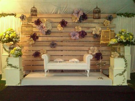Sofa Pelaminan pelamin kayu vintage pelamin rustic backdrops and decoration