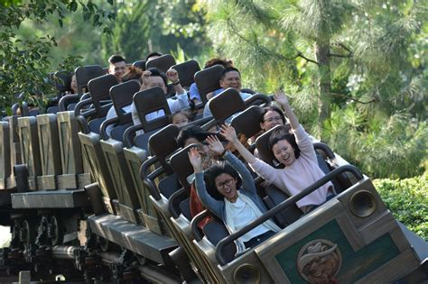theme park review twitter theme park review on twitter quot hands up having a good