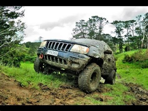 mud jeep cherokee jeep grand cherokee wj mud run