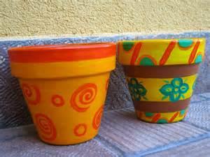vasi terracotta colorati vasi colorati per rendere allegri giardini balconi e
