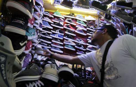 Harga Sepatu Asics Di Taman Puring yuk belanja di pasar taman puring secara