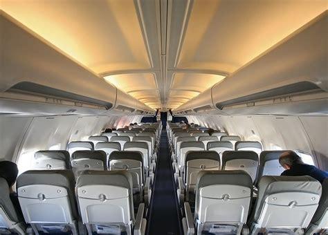 Airplane Upholstery by C 243 Mo Elegir El Mejor Asiento Avi 243 N