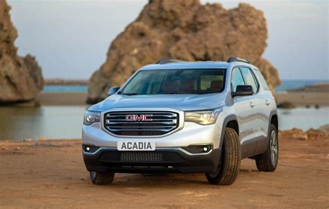 2020 Gmc Redesign by 2020 Gmc Acadia Third Row Changes Redesign Release Date