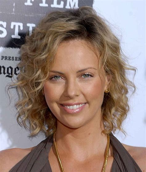 can thin hair look good with a lisa rinna hair cut best 25 fine curly hairstyles ideas on pinterest