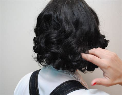 how to roller set a bob how i do a late 30s early 40s sponge roller set and avoid