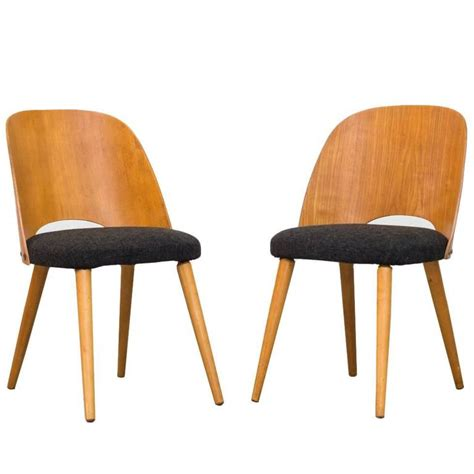 Barrel Back Dining Chair Pair Of Thonet Barrel Back Beech Dining Chairs At 1stdibs
