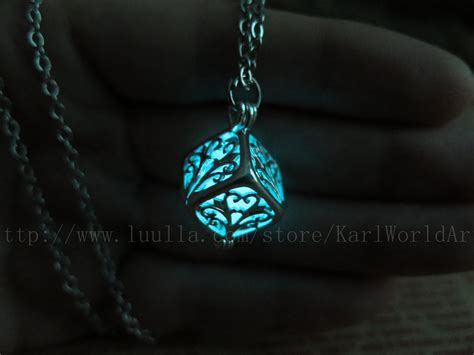 free shipping cyan cube glow in the necklace glow
