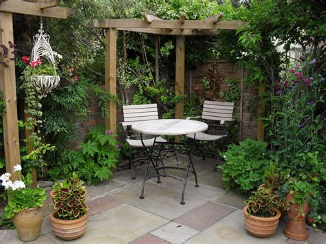 backyard courtyard ideas courtyard patio courtyard garden like the corner