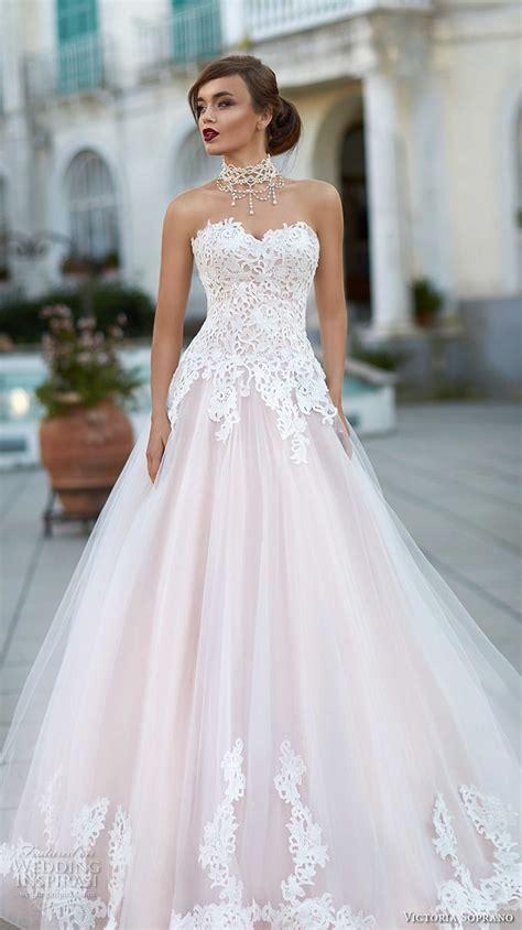 17 Best ideas about Wedding Skirt on Pinterest   Big