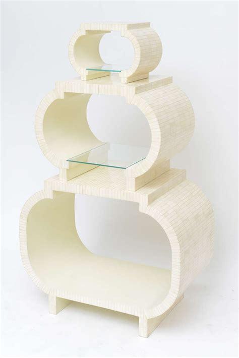 etagere 3 stöckig holz tessellated bone etagere by enrique garcel image 3