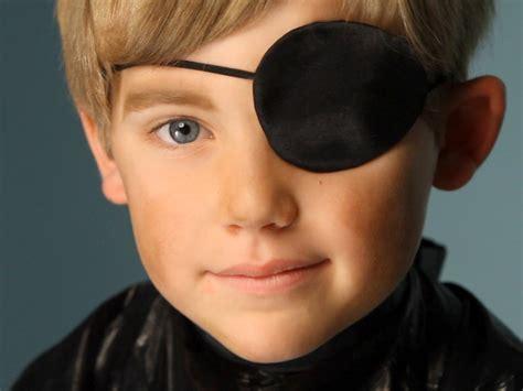 Make Up Kid Wardah kid s makeup tutorial pirate hgtv