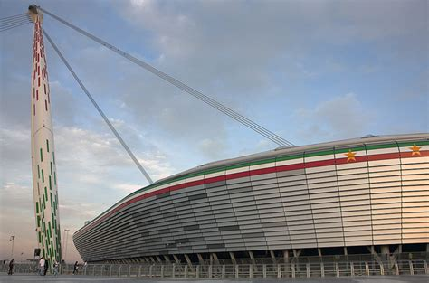 juventus stadium mappa ingressi victorias de juve y milan destacan t 233 vez y taarabt