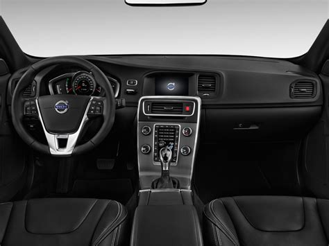image  volvo   awd  design platinum dashboard size    type gif posted