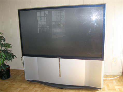 65 quot sony projection tv with owner s book remote