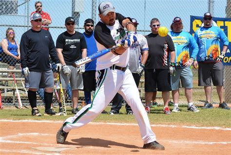 how to improve slow pitch softball swing image gallery slowpitch softball