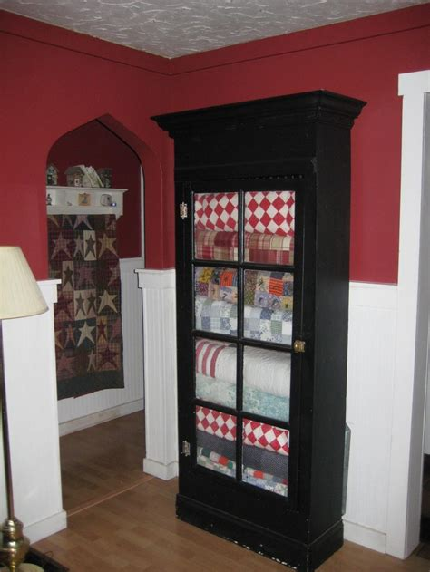 Quilt Storage Cabinets 17 Best Images About Quilt Stacks On Quilt Display White Quilts And Cabinets