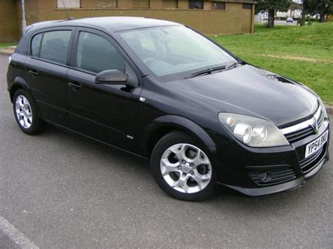 opel astra 2004 black used vauxhall astra 2004 for sale uk autopazar