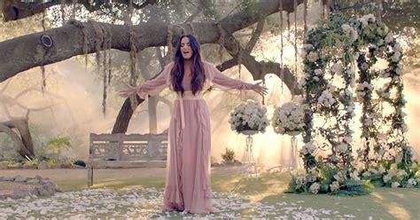 demi lovato tell me you love me lyrics spanish see demi lovato s heartbreaking tell me you love me