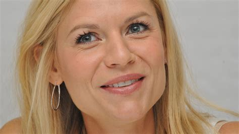 claire danes wallpaper claire danes smile high quality wallpapers
