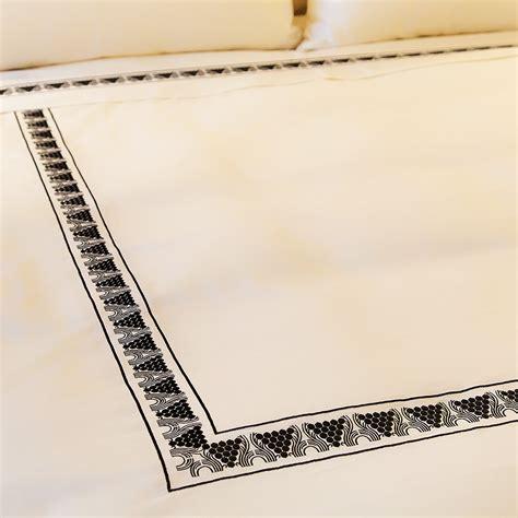 Simmons New Charmingdivan Oreohb Elegance 200 X 200 Set bed mattress sizes mattress sizes size of of a king