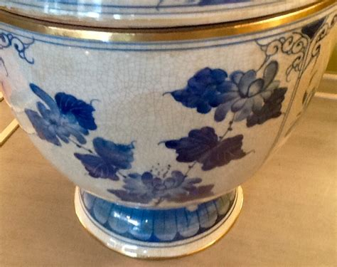 China Decorative Items by Pair Blue White Lidded Pots Antique
