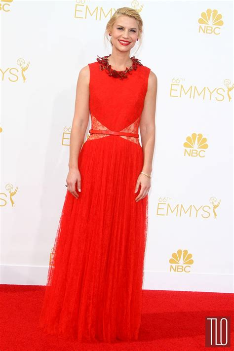 claire danes red carpet emmys 2014 claire danes in givenchy tom lorenzo