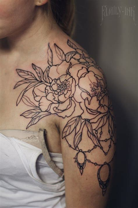 floral shoulder tattoo best 25 flower shoulder ideas on