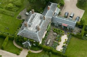 Middleton Family Home by Happy Royal Christmas