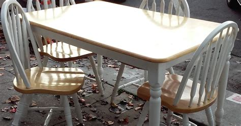 uhuru furniture collectibles country style dining set - Country Style Table Ls