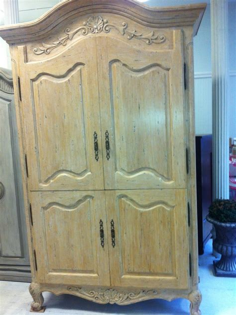 maison decor shabby chic chateau armoire