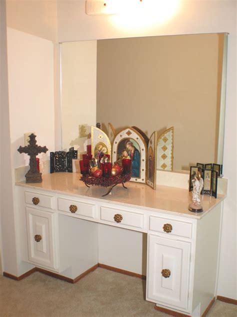 vanity  master bedroom