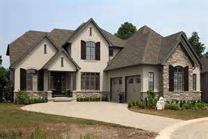 best 25 stucco exterior ideas on stucco homes