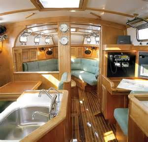 Small Boat Interior Design 17 Best Ideas About Boat Interior On Pinterest Beach
