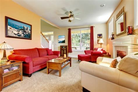 romantisches wohnzimmer farbe tapete wohnzimmer mit roter sofa kreative bilder