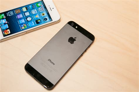 why the iphone 5 lacks support for simultaneous voice and
