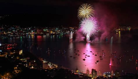 new year 2015 wellington fireworks new year fireworks in wellington 28 images revellers